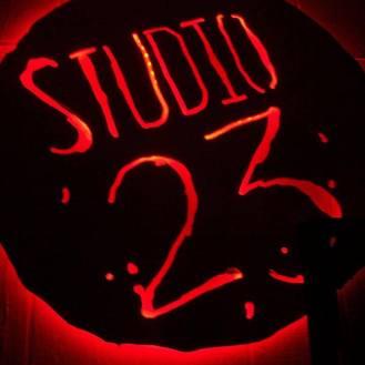 studio-23-sign